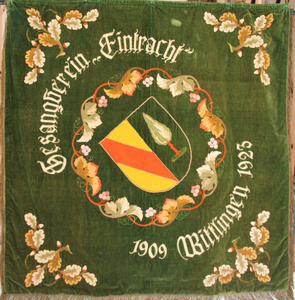 Zweite Vereinsfahne von 1922 inklusive Wappen von Wittlingen